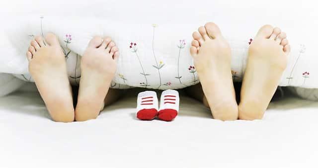 au bout de combien de temps sait on si on est enceinte jcc. Black Bedroom Furniture Sets. Home Design Ideas